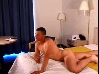 Dark-haired Homo Enjoys Jerking His Dick Off Indoors